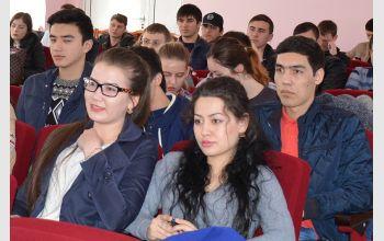 Студенты МГТУ на заседание круглого стола «Профилактика экстремизма в молодёжной среде: современные вызовы и основные подходы»