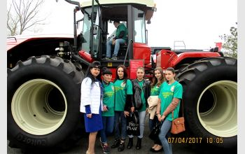Студенты МГТУ посетили выставку сельскохозяйственной техники