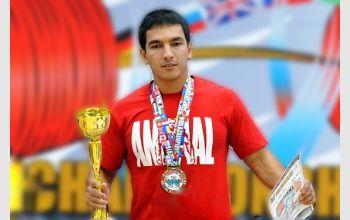 Студент МГТУ установил новый мировой рекорд по пауэрлифтингу