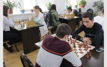 В МГТУ прошло лично-командное первенство по шахматам среди студентов