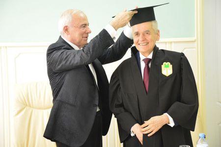 Депутату Госдумы РФ  Г.Г. Онищенко присвоено звание почетного профессора МГТУ