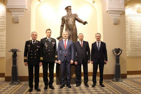 Министр транспорта Российской Федерации и действующий губернатор Санкт-Петербурга отметили День российской науки в ГУМРФ имени адмирала С.О. Макарова