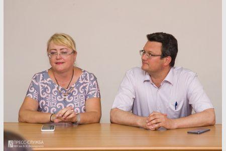 Ирина Кивико вручила дипломы госслужащим Крыма