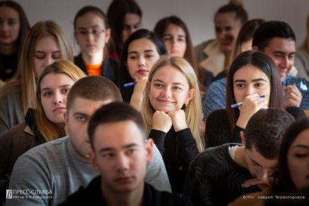 Более 500 человек написали экономический диктант в КФУ